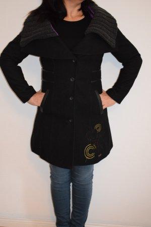 Desigual Leichter Mantel Herbst/Winter mit Stickerei (kaum getragen)