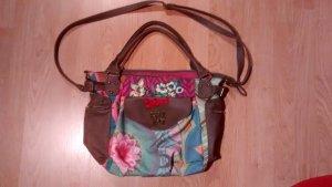 Desigual-Tasche mit Blumen und Schmetterling
