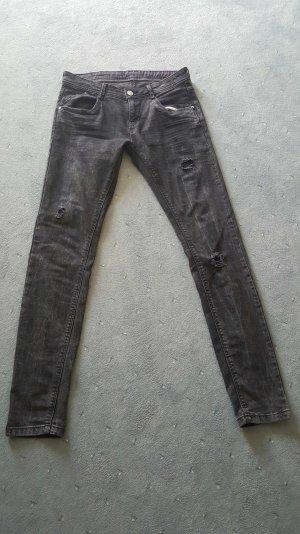 Destroyed Jeans der Marke C&A