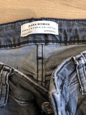 Destroyed Jeans grau