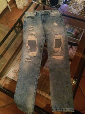 Destroyed Jeans hell