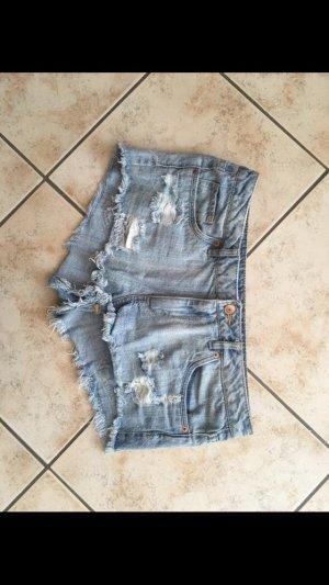 Destroyed Jeans Hotpants