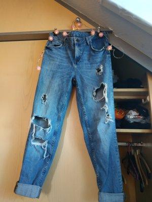 Destroyed Mom-Jeans