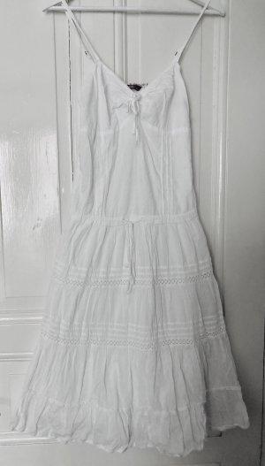Detailverliebtes Sommerkleid
