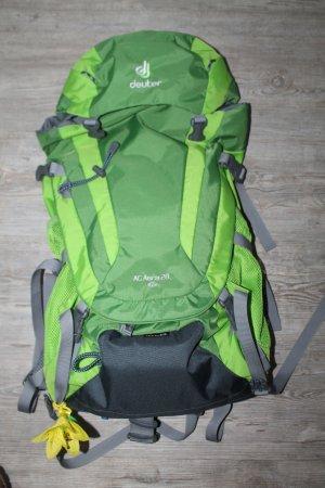 Deuter Rucksack grün Hawaii Travel Backpack neuwertig AC Aera 28 SL