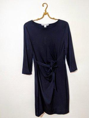 Diane von Fürstenberg Designerkleid elegant blau Schnäppchen mit Schönheitsfehlern