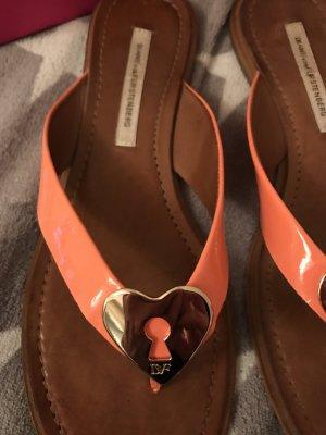 Diane von Fürstenberg Leder Sandalen mit goldenen Herz