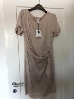 Diane von Furstenberg, Seidenkleid US 8 (38), Farbton Puder