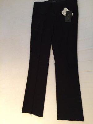 Dicke, schwarze Hose mit Falten, neu mit Etikett