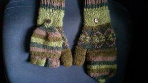 dicke,warme grün-braune Strickhandschuhe