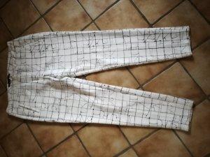 dicke weiße Stoffhose