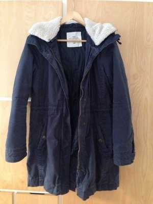 Dicker Parka/Wintermantel dunkelblau mit Kapuze