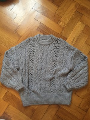 dicker Pullover in grau