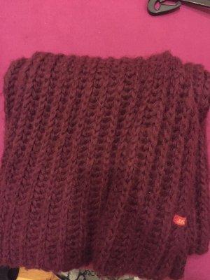 Dicker Schal für den Winter