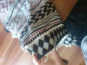 dicker Schal mit Muster