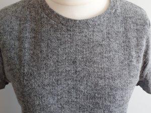 dickes, winterliches T-Shirt von Zara im Fischgrät-Design, Gr. L