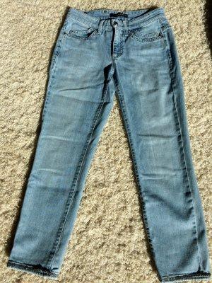 Die coole Cambio Jeans mit hochwertigen Steinen