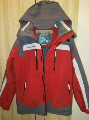 Die Exxtasy Skijacke ist eine sportliche Jacke