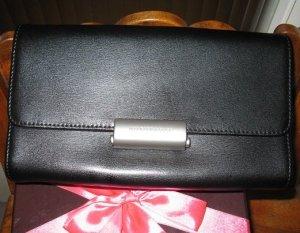 Die kleine schwarze -Clutch aus schwarzem Leder, Mandarina Duck, wie neu