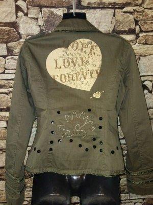 Die STEFANEL Jacke besteht aus reiner Baumwolle