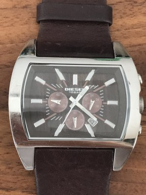 Diesel Armbanduhr Silber mit braunem Lederarmband