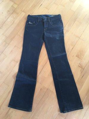 Diesel Jeans svasati blu scuro