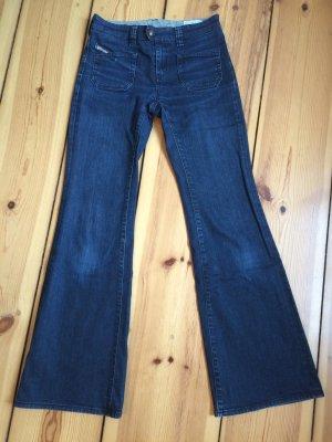 DIESEL dunkelblaue Schlaghose im aktuellen 70's-Style - W29 L34