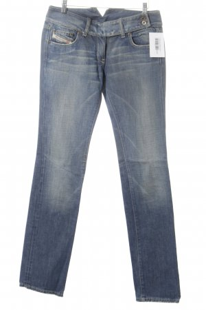 Diesel Industry Straight-Leg Jeans stahlblau Street-Fashion-Look