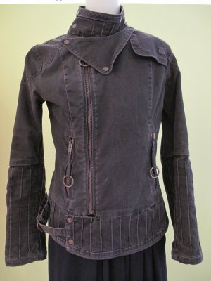 DIESEL Jacke, sieht aus wie neu !!! Nieten Jeans