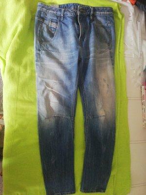 Diesel Straight Leg Jeans pale blue-azure