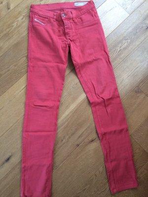 DIESEL Jeans im zarten rot