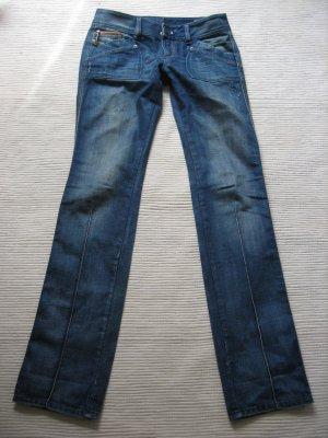 diesel jeans neu gr. s 36  (28 l. 34) model reckfly special