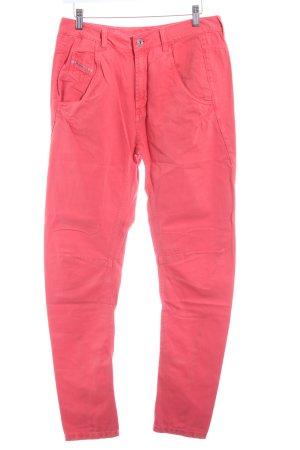 Diesel Pantalone a sigaretta rosso neon stile casual