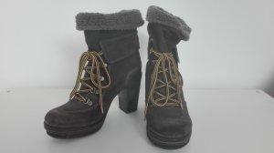 Diesel: schnür-Boots mit Absatz