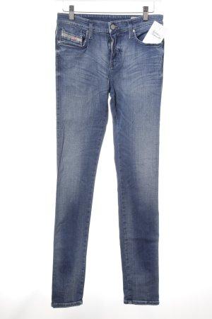 Diesel Skinny Jeans dunkelblau Street-Fashion-Look