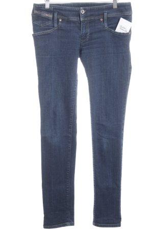 Diesel Slim Jeans dunkelblau Street-Fashion-Look
