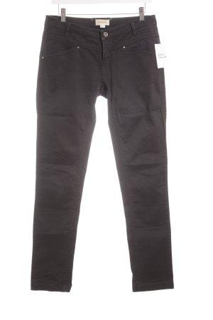 Diesel Slim Jeans schwarz Street-Fashion-Look