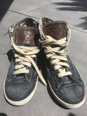 Diesel Sneaker Jeans in Größe 38