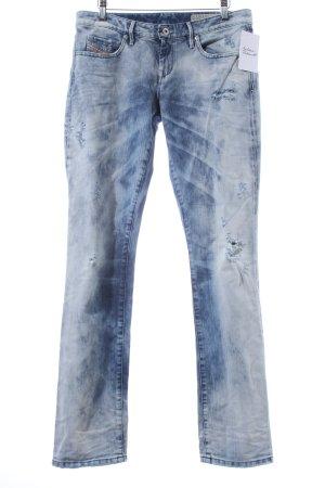 Diesel Straight-Leg Jeans himmelblau Street-Fashion-Look