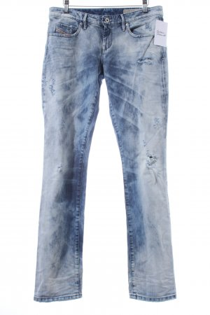 Diesel Straight-Leg Jeans himmelblau Street-Fashion-Look