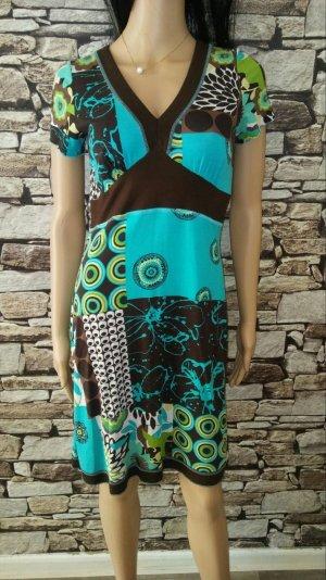 Dieses charmante Kleid ist ein wunderbarer Blickfang