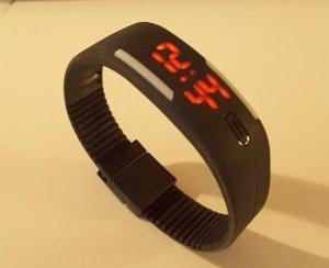Digital Uhr mit Kunststoffarmband