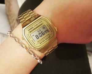 Digitale Armbanduhr von CASIO