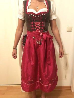 Dindl Outfit >> Dirndl, Bluse, Strickjacke