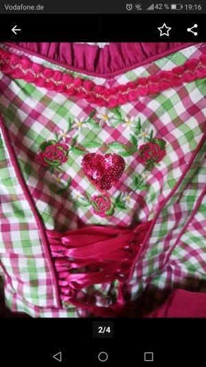 Vêtement traditionnel multicolore