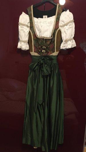 Dirndl (mit Bluse und Schürze) von Krüger Manufaktur