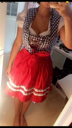 Dirndl rot blau traditionell