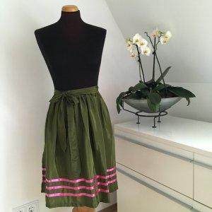 Grembiule tradizionale verde scuro-rosa