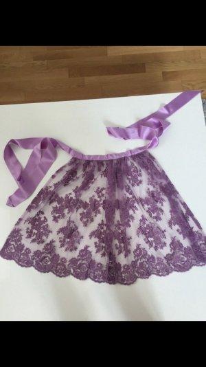 Delantal folclórico lila