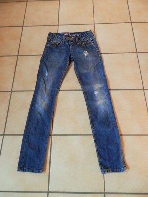 Distressed Destroyed Vintage Look Slim Fit Jeans Röhre ESPRIT Blogger Trend